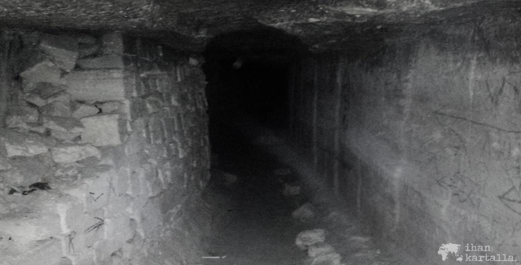 30-8-odessa-katakombit-banneri