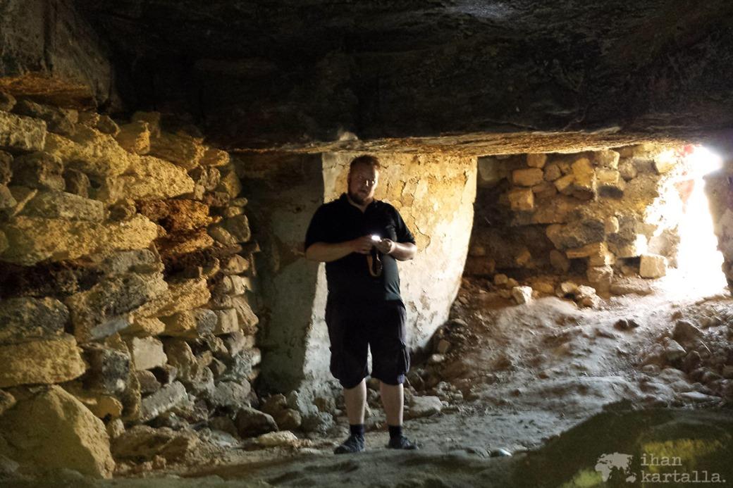 30-8-odessa-katakombit.jpg