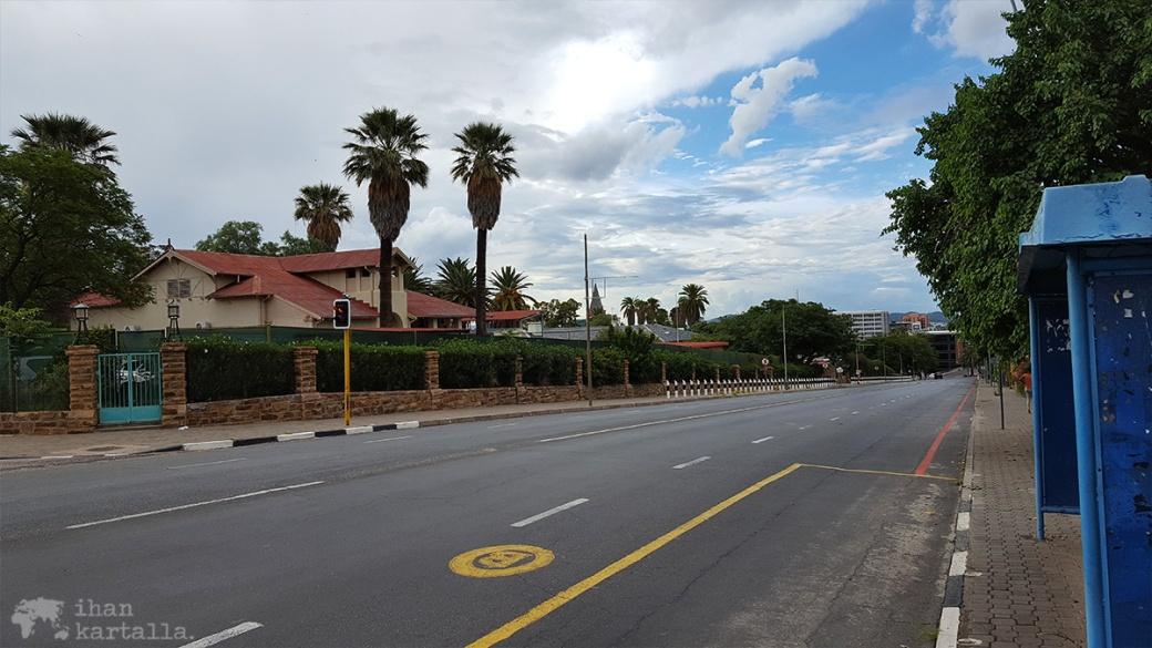 namibia-windhoek-robert-mugabe-ave.jpg