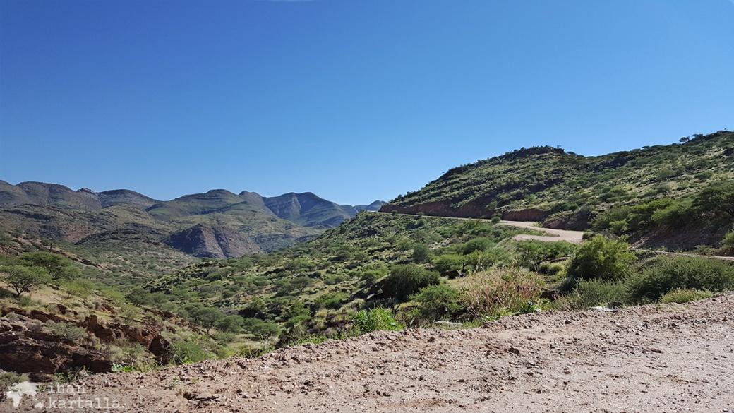vuoristotie-windhoekiin2.jpg