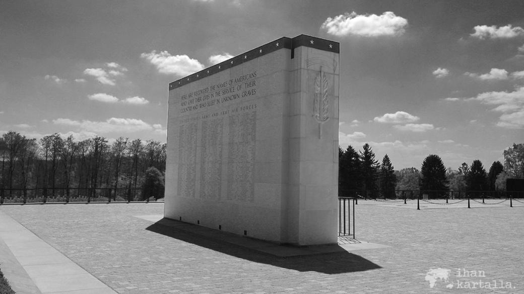 29-4-luxemburg hautausmaa muistomerkki