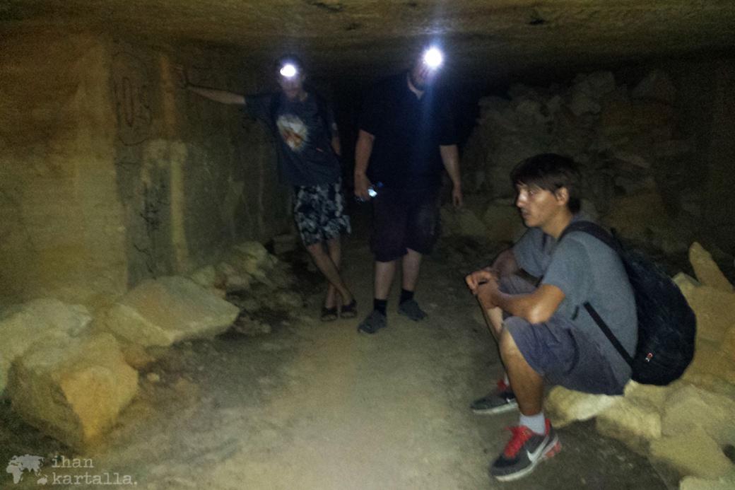 30-8-odessa-catacombs