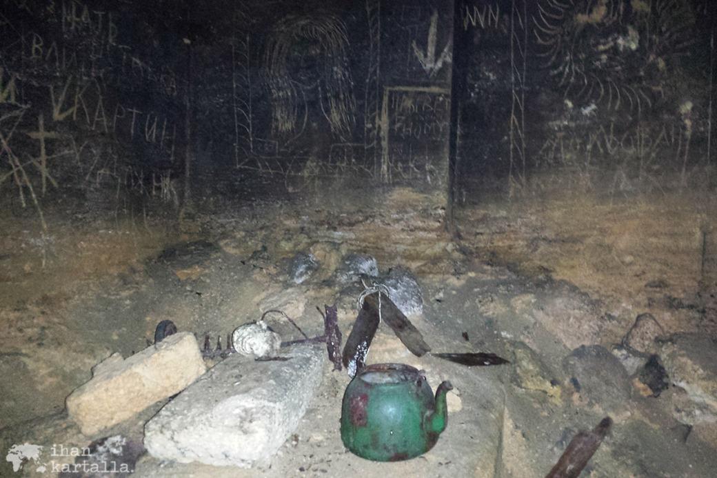 30-8-odessa-catacombs2
