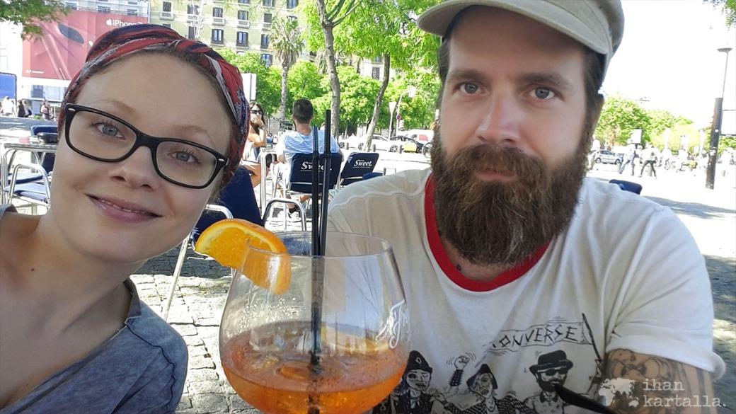 2-6-barcelona selfie