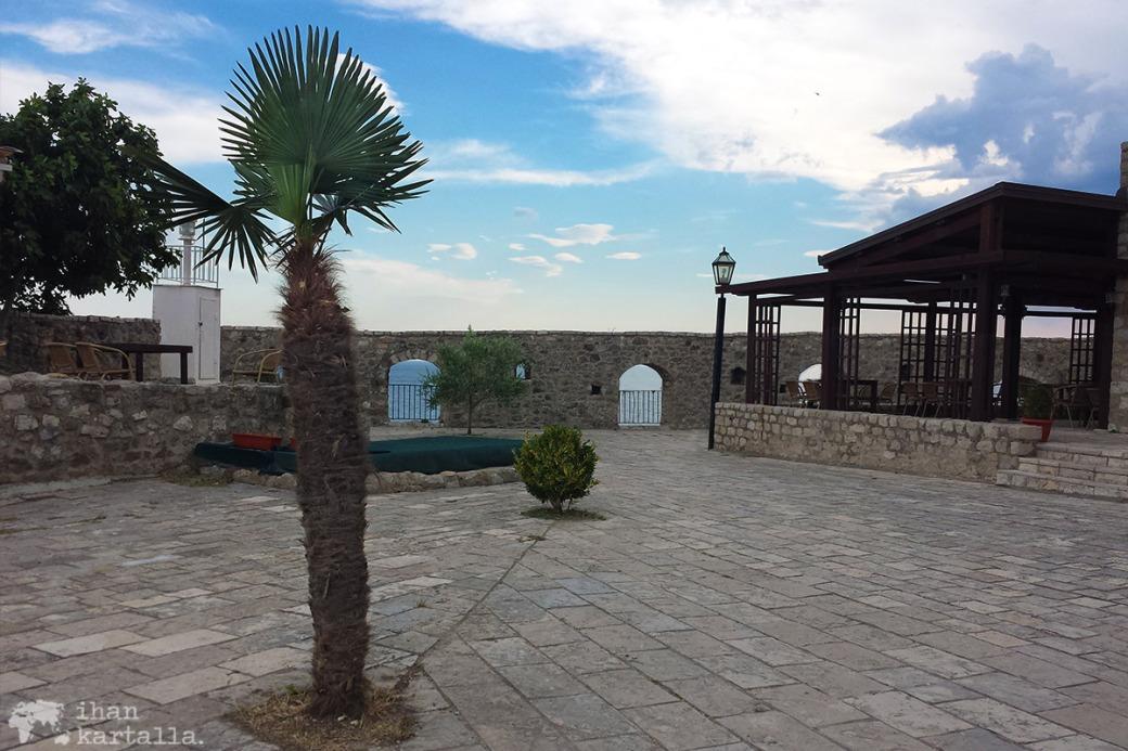 4-6-montenegro-ulcinj-vanhakaupunki2