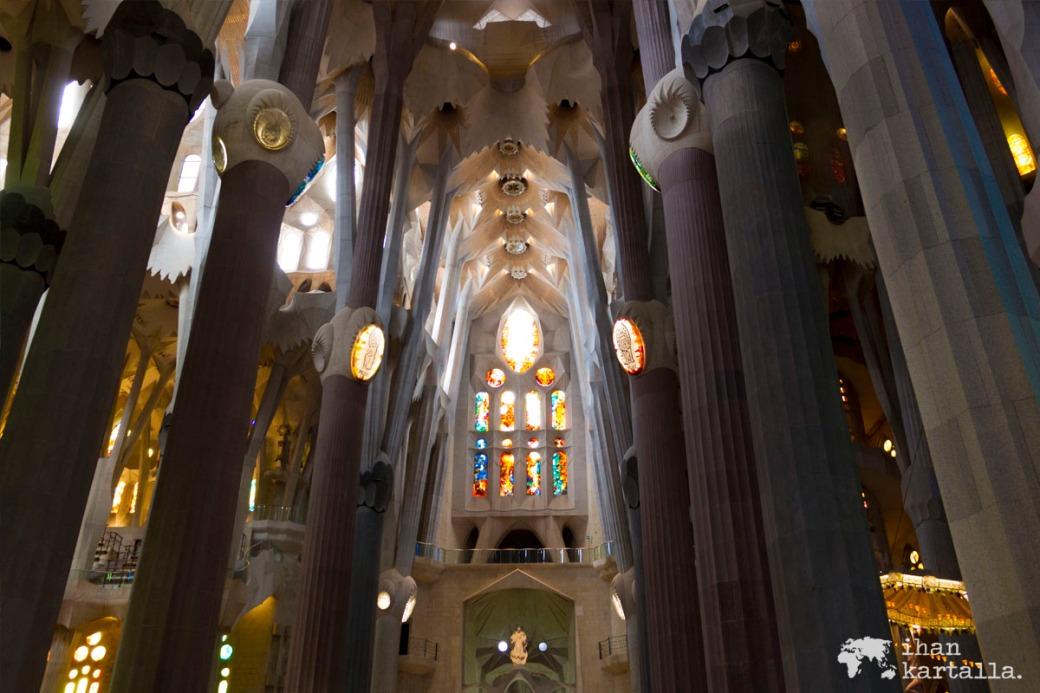 1-6 barcelona la sagrada familia sisällä