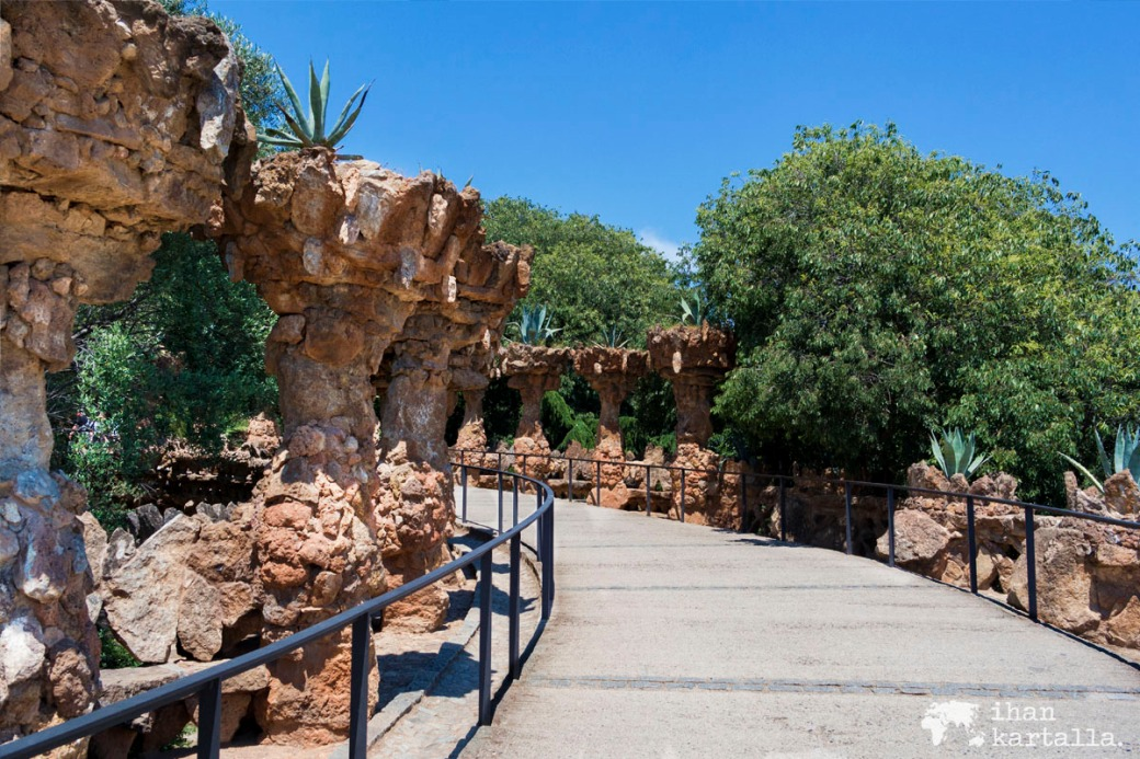 1-6 barcelona park guel ulkoilua