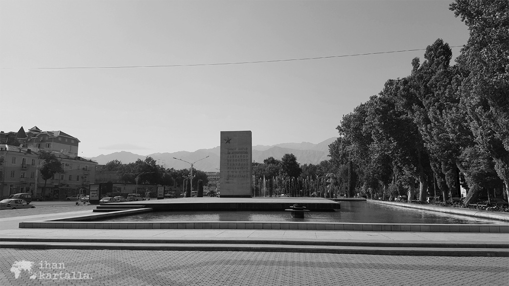 10-9 tadzikistan khujand monument