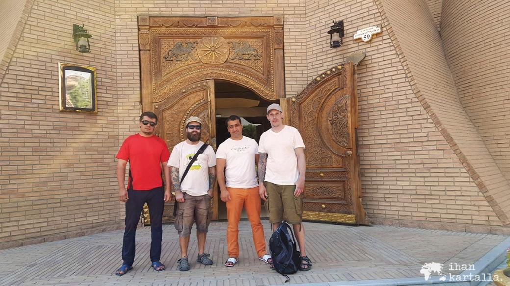 11-7 tadzikistan khujand autokauppiaat