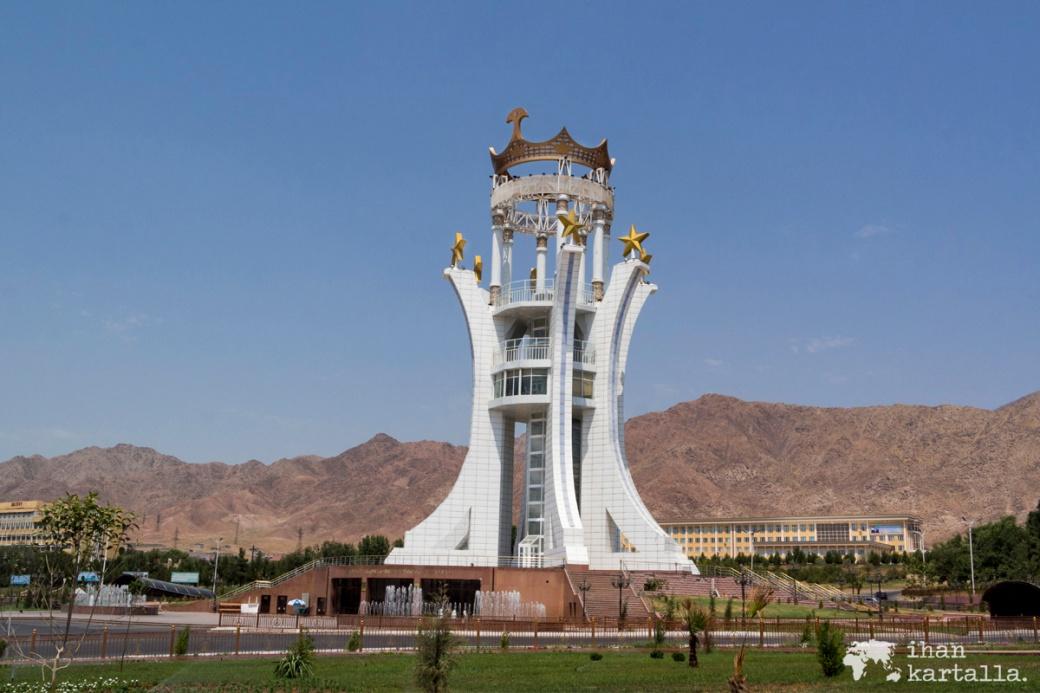 11-7 tadzikistan khujand monument