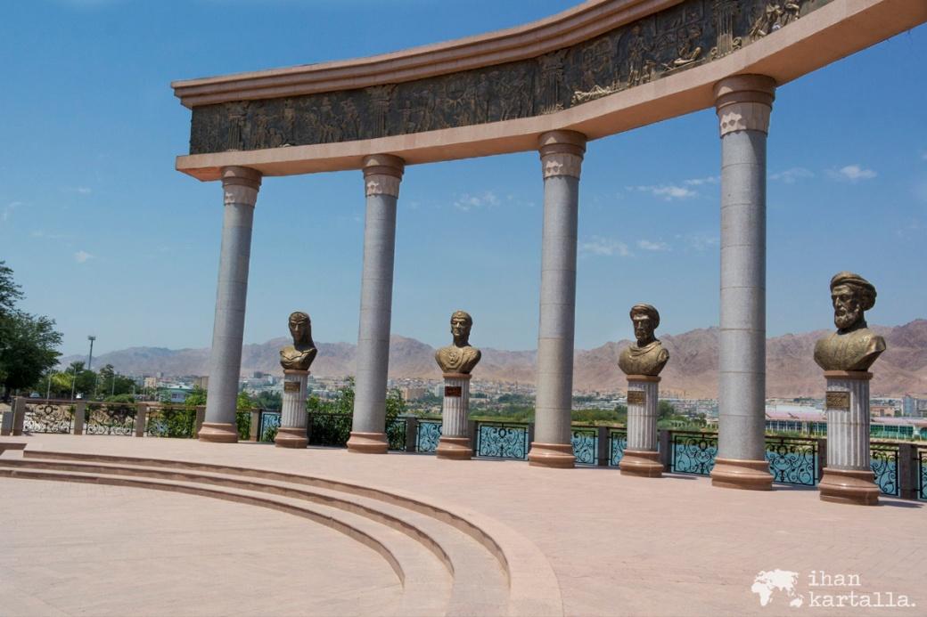 11-7 tadzikistan khujand statues