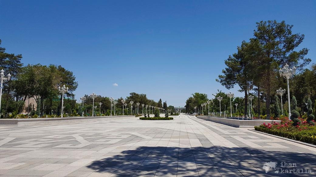 2-7 turkmenistan asgabat independence square