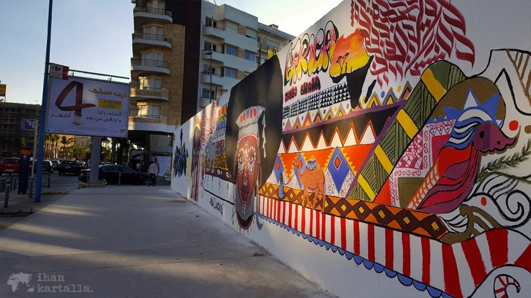 28-5 casablanca street art