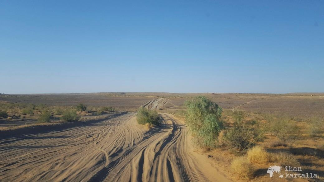 3-7 turkmenistan darvaza road