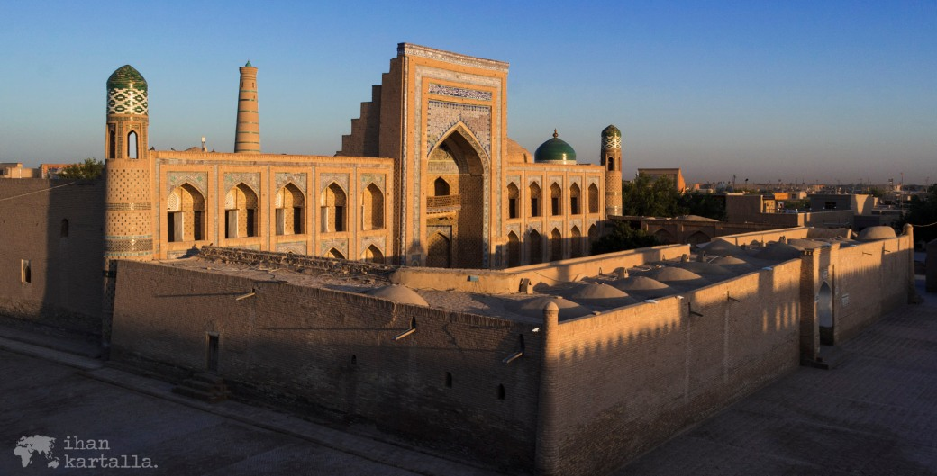4-7 uzbekistan khiva banneri
