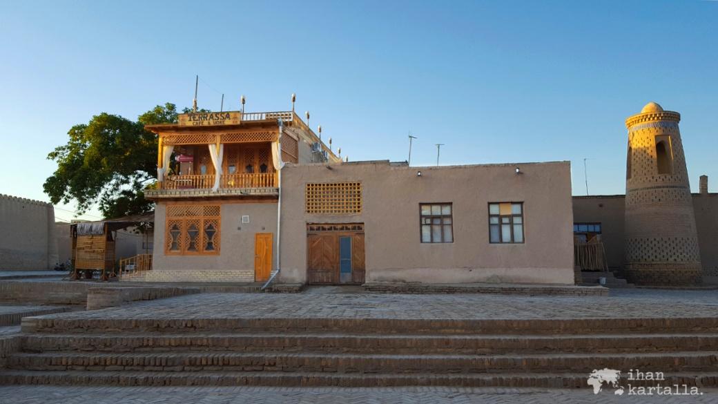 4-7 uzbekistan khiva cafe terrassa