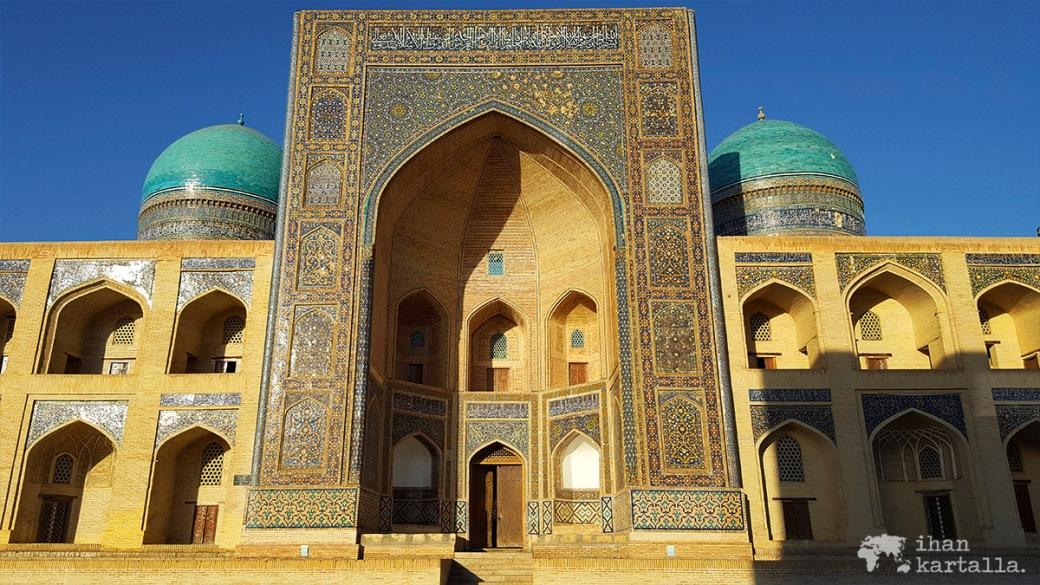 6-7 uzbekistan bukhara Mir-i-Arab Madrasa