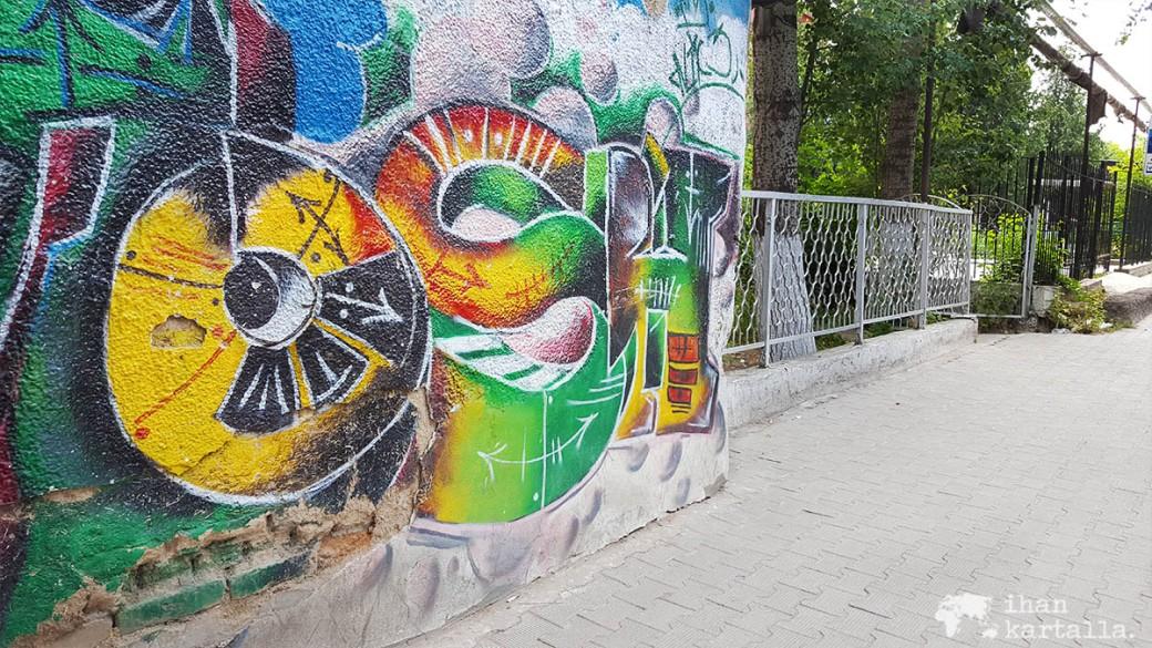 13-7 kirgisia osh graffiti