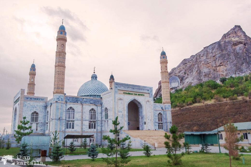 13-7 kirgisia osh suleiman mosque