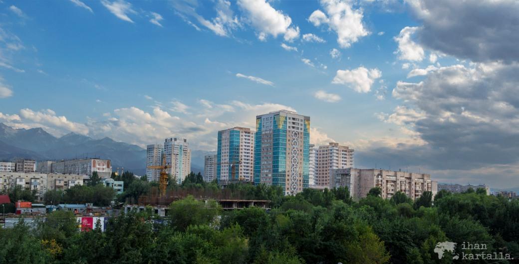 16-7 kazakstan almaty banneri