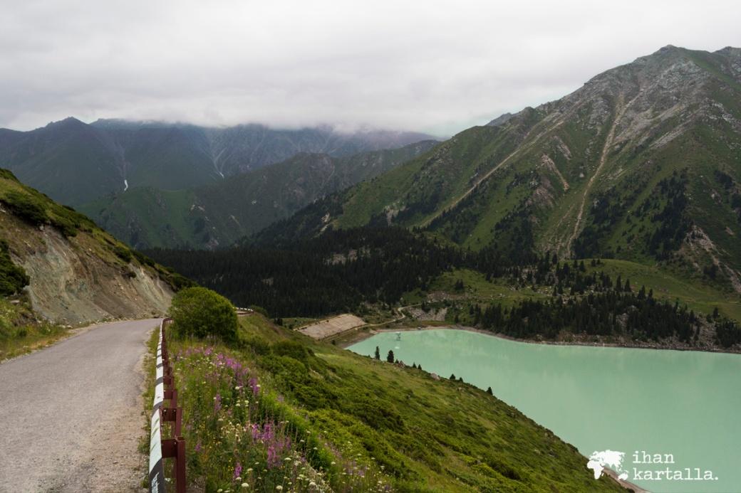 17-7 kazakstan almaty-big almaty lake