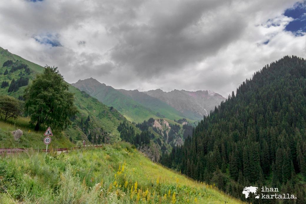 17-7 kazakstan almaty vuoristossa