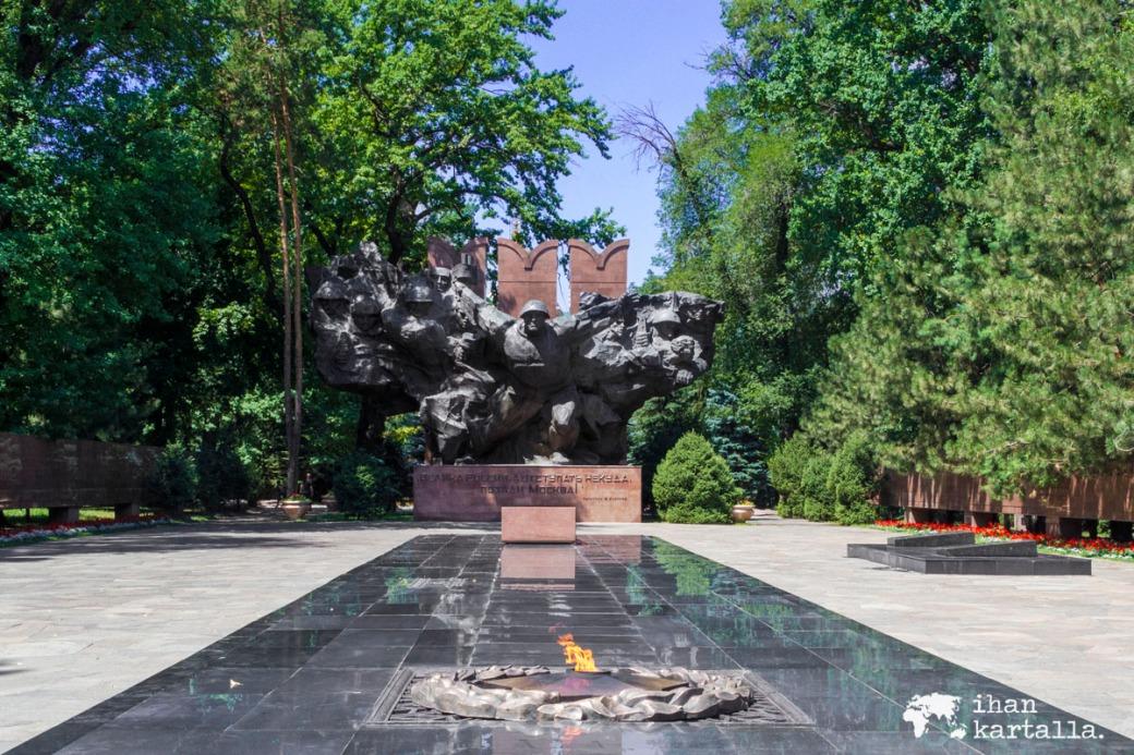 18-7 kazakstan almaty puisto