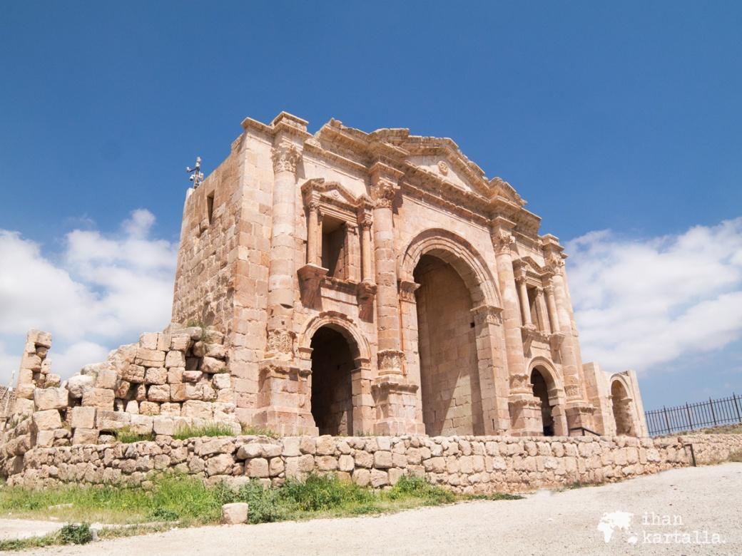 31-3-jordan-jerash-gate