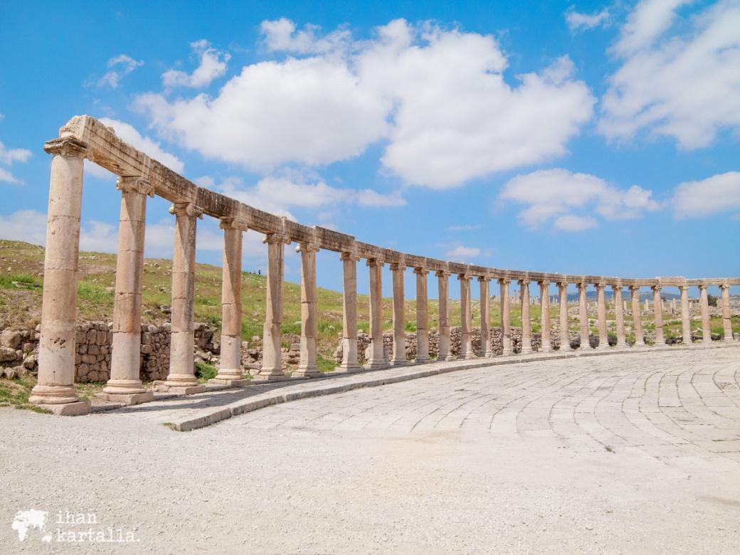 31-3-jordan-jerash-pillars