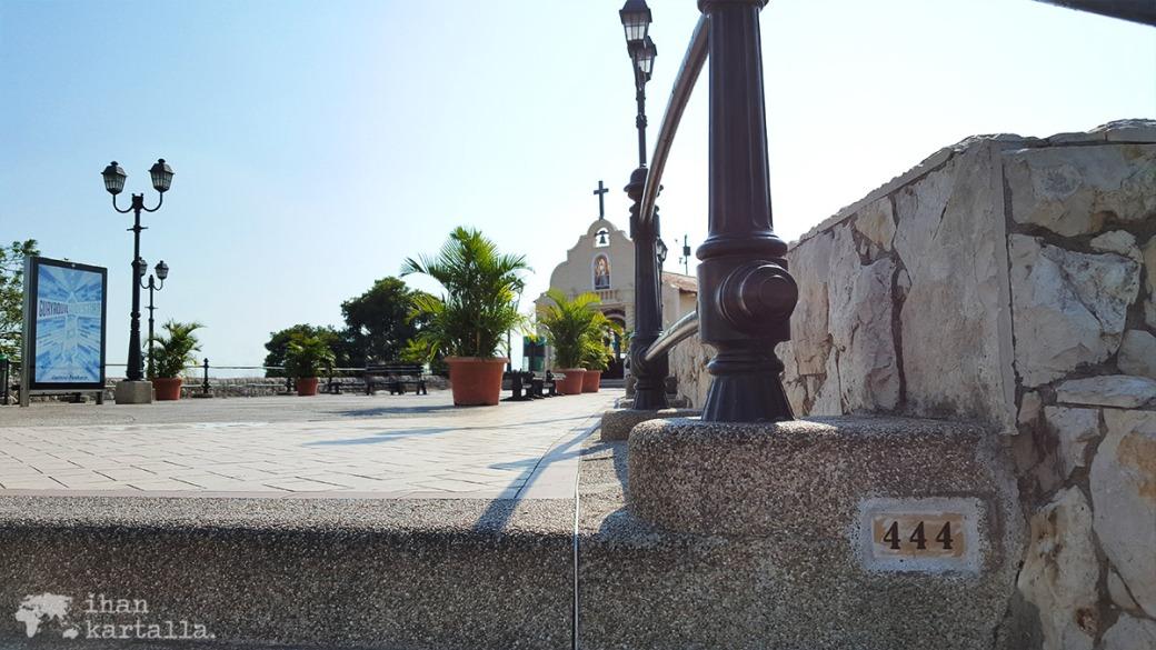 13-9-ecuador-guayaquil-444-steps