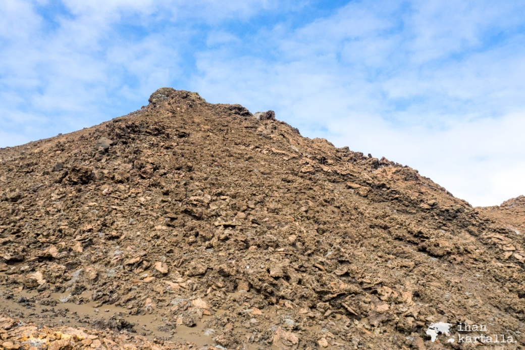 9-9-galapagos-bartolome-rocks