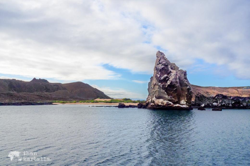 9-9-galapagos-bartolome-view