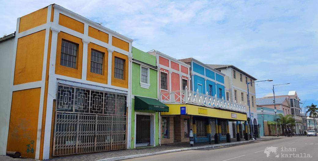 2-9-bahama-banneri