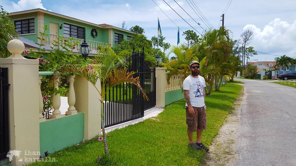 3-9-bahama-ratsastus-kadulla