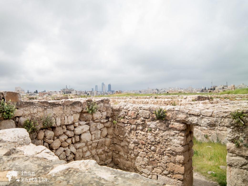 30-3-jordania-amman-citadel-ruins-3