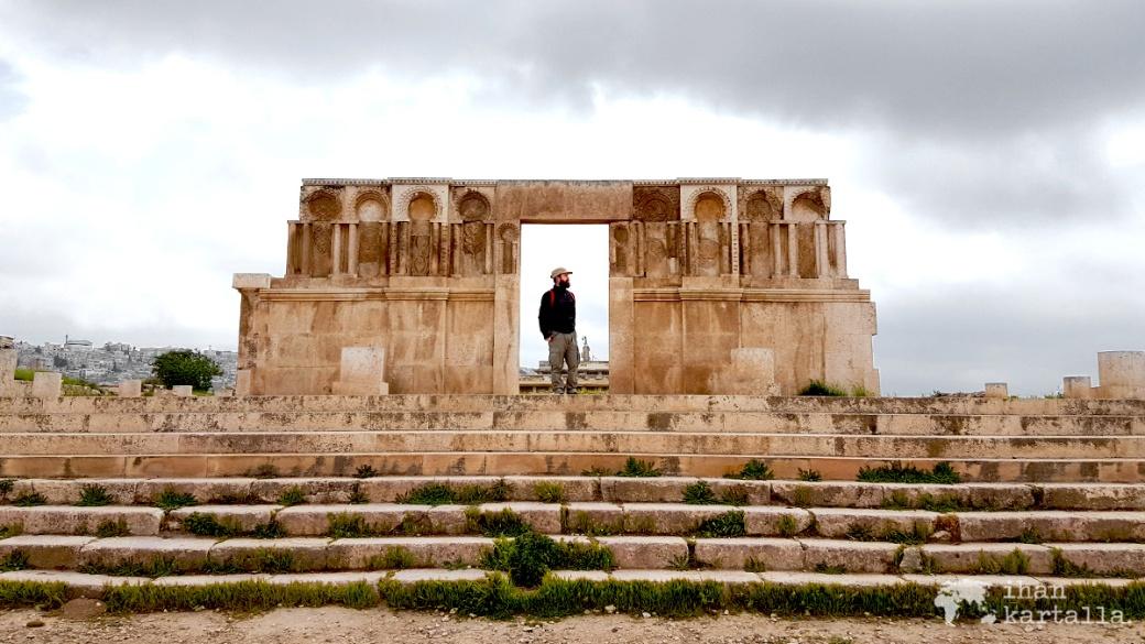 30-3-jordania-amman-citadel-ruins-vesa