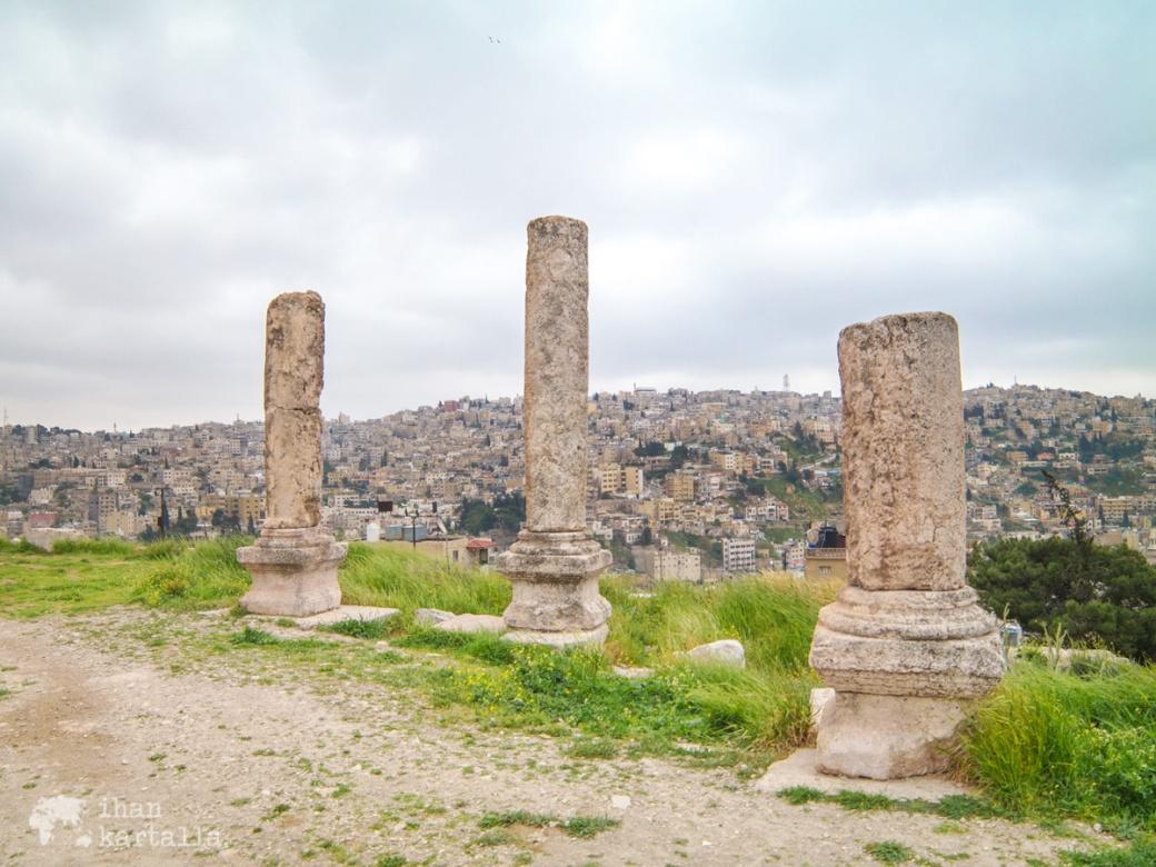 30-3-jordania-amman-citadel-ruins
