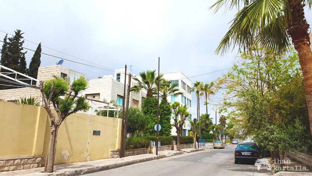 30-3-jordania-amman-home-street