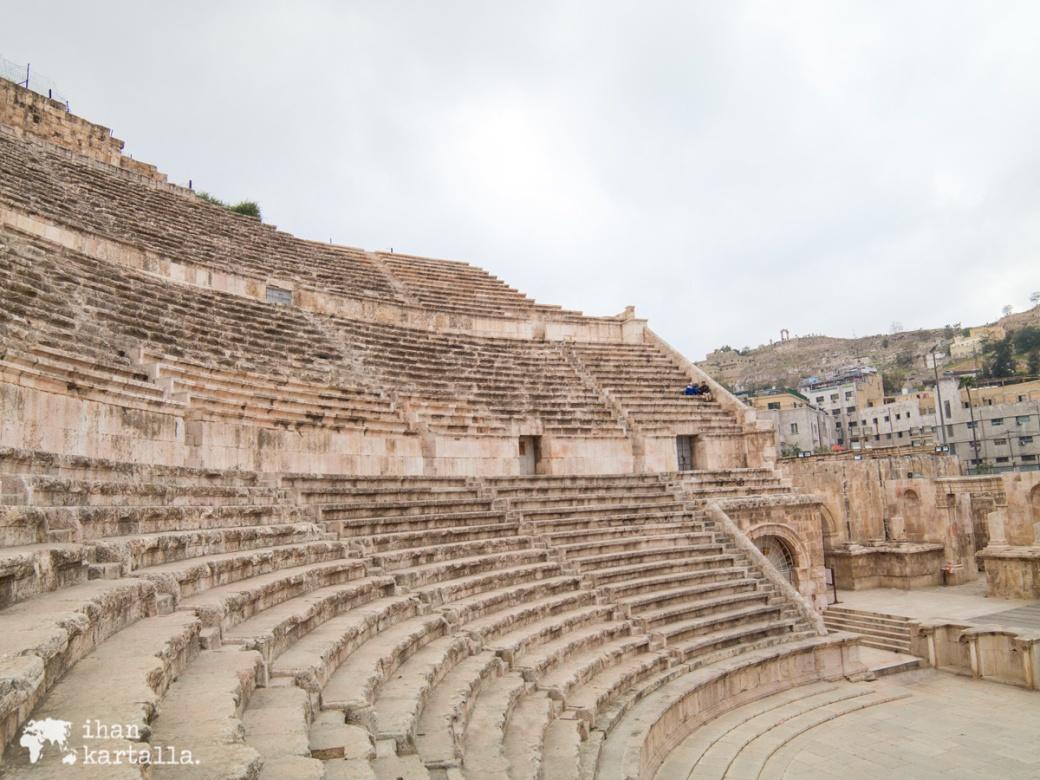 30-3-jordania-amman-roman-theatre2