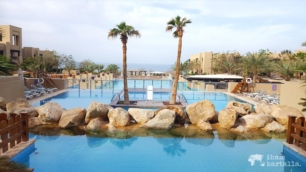 1-4-jordan-holiday-inn-morning