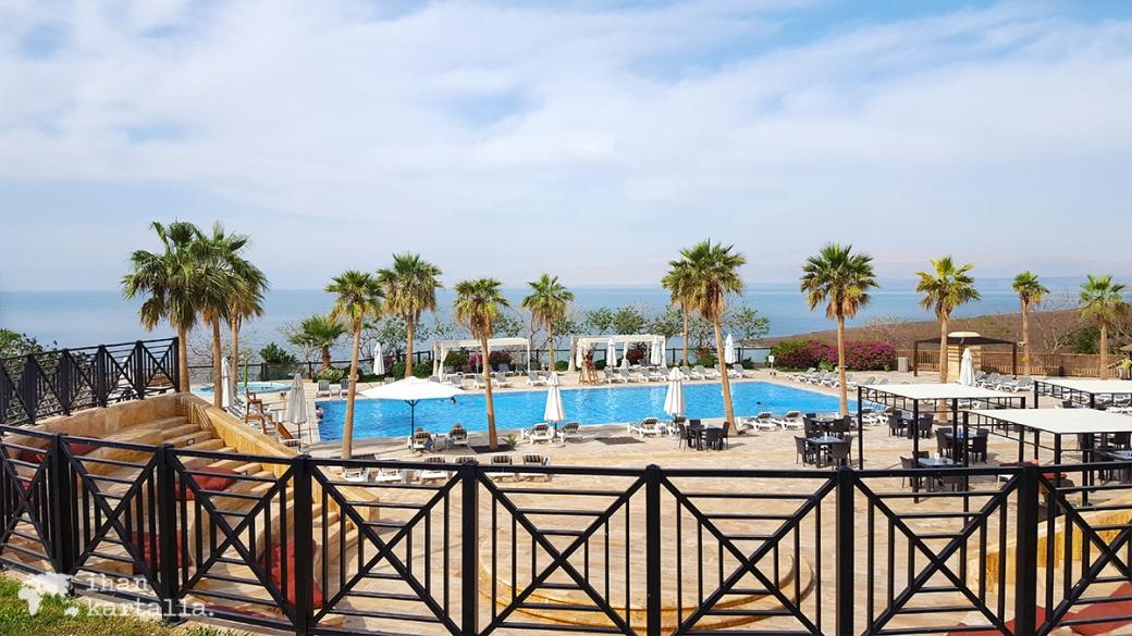 1-4-jordan-holiday-inn-pool