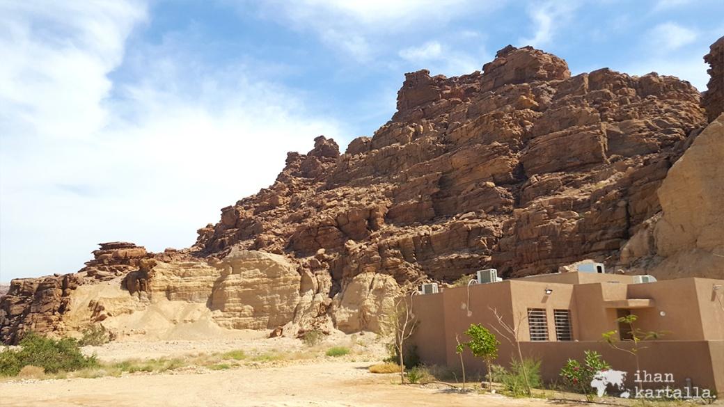 1-4-jordan-wadi-mujib-parking