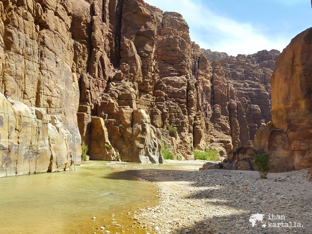1-4-jordan-wadi-mujib-siq-trail-river