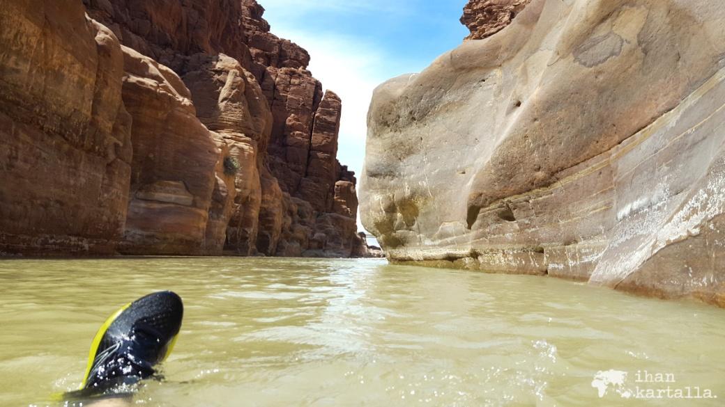1-4-jordan-wadi-mujib-siq-trail-vesa2
