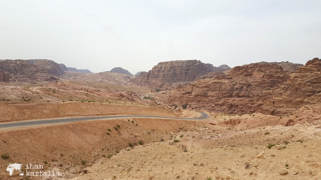 3-4-jordan-petra-backdoor-to-petra