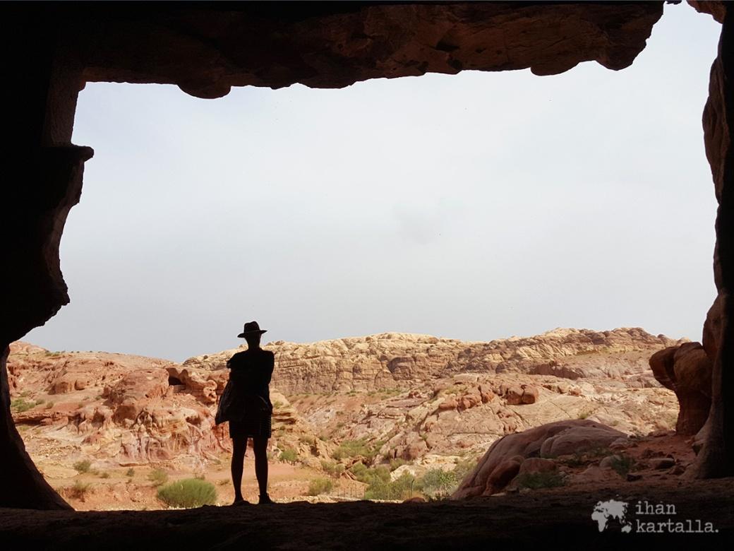 3-4-jordan-petra-cave-jenni