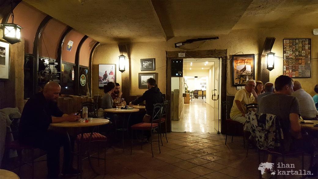 3-4-jordan-petra-hotel-bar