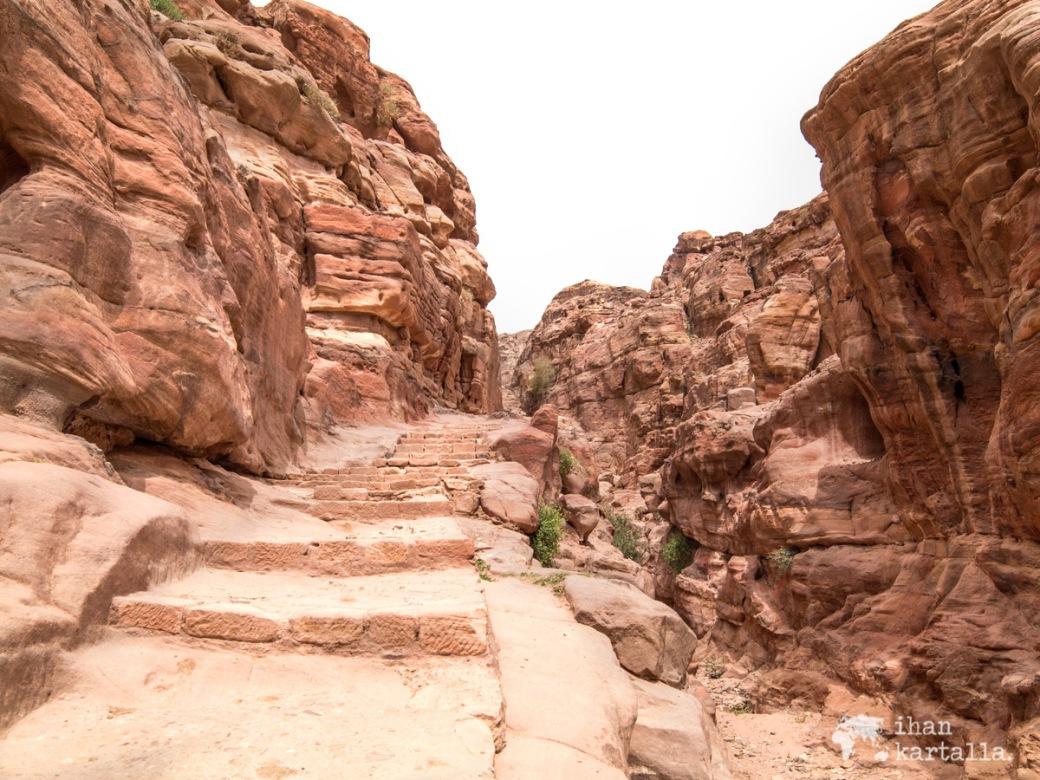 3-4-jordan-petra-monastery-steps
