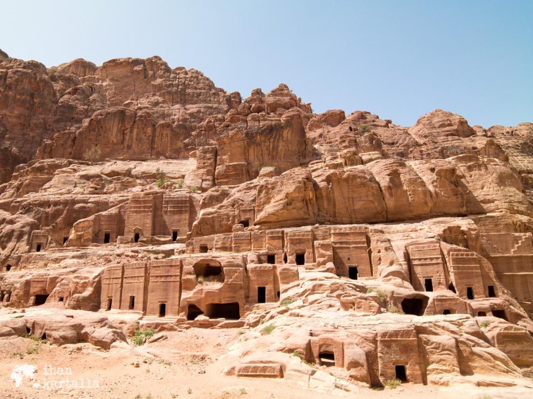 4-4-jordan-petra-ruins-2