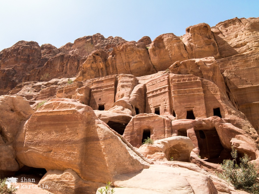 4-4-jordan-petra-ruins-3